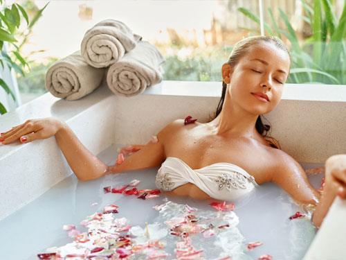 Kąpiele solne - skuteczny sposób na regenerację, lepszy sen i redukcję stresu