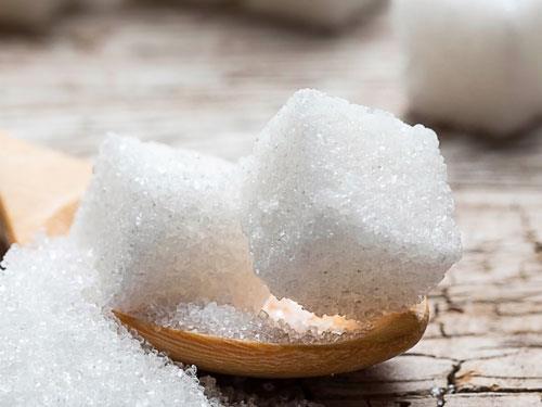 Jak i dlaczego warto wyeliminować cukier z diety?